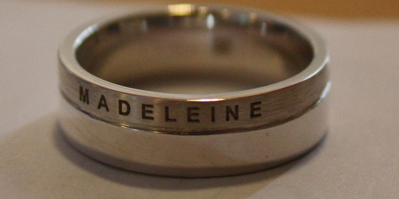 Rhodium ring met inscriptie